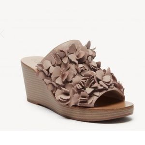 Sole Society Poppie Wedge with Flower Detail